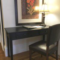 1-bedroom-desk